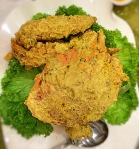 Baked Sri Lanka crab in white sauce (salted egg)
