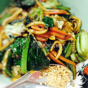 During the Annual Vegetarian Festival, MTP serves a delicious vegan version of their famous Hokkien Fried Noodles for the entire week.